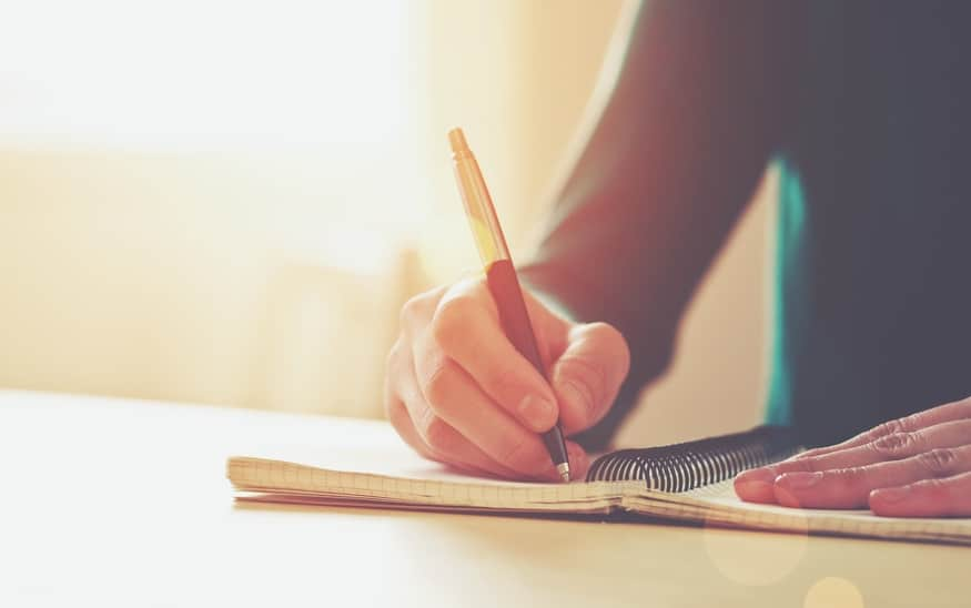 """Also los: Stift in die Hand und """"Automatisch Schreiben"""". Die vielleicht einfachste Kreativ-Übung in diesem Sternensystem."""