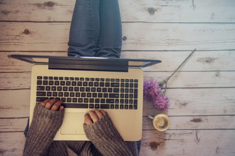 Schreibe auch mal nur für dich. Das befreit und macht dich glücklich. (Foto: Fotoloa | agcreativelab)