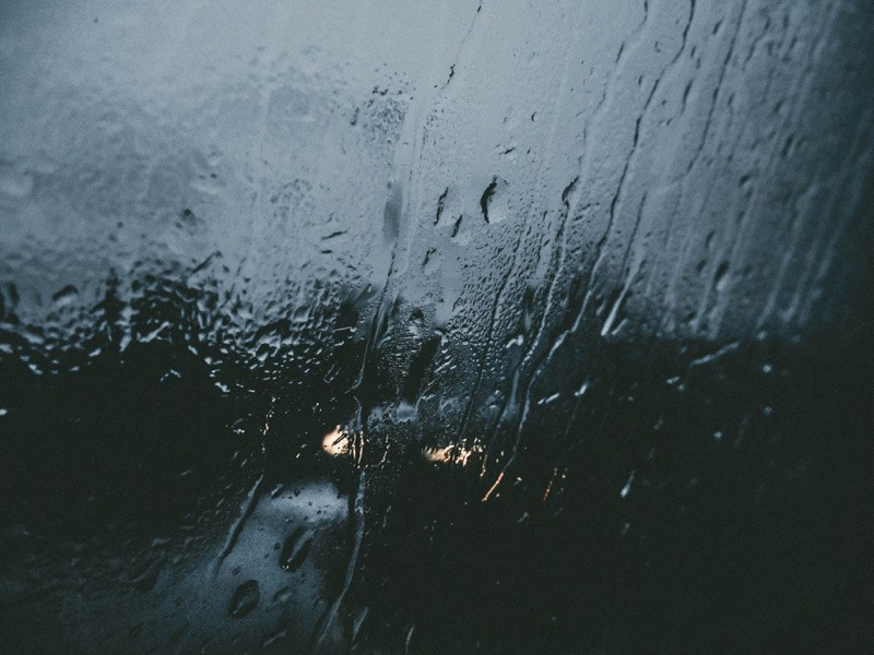 Wenn es regnet, regnet es. Da hilft es auch nicht, wenn man so tut, als ob die Sonne scheint.